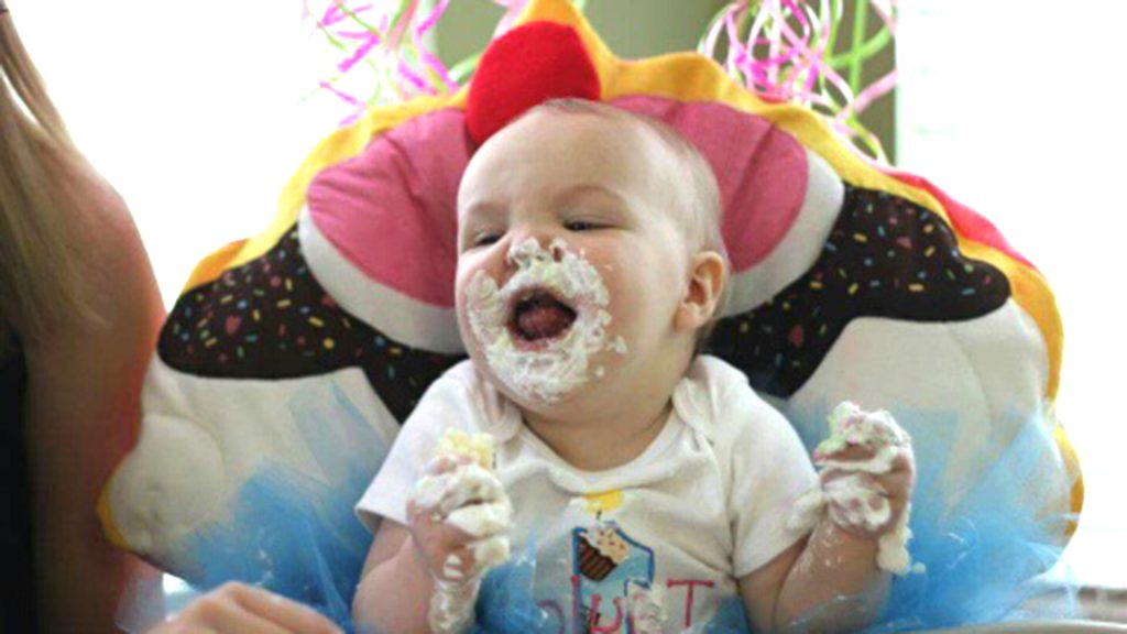 Parents Share Funny Birthday Cake Photos As Kids Turn 1