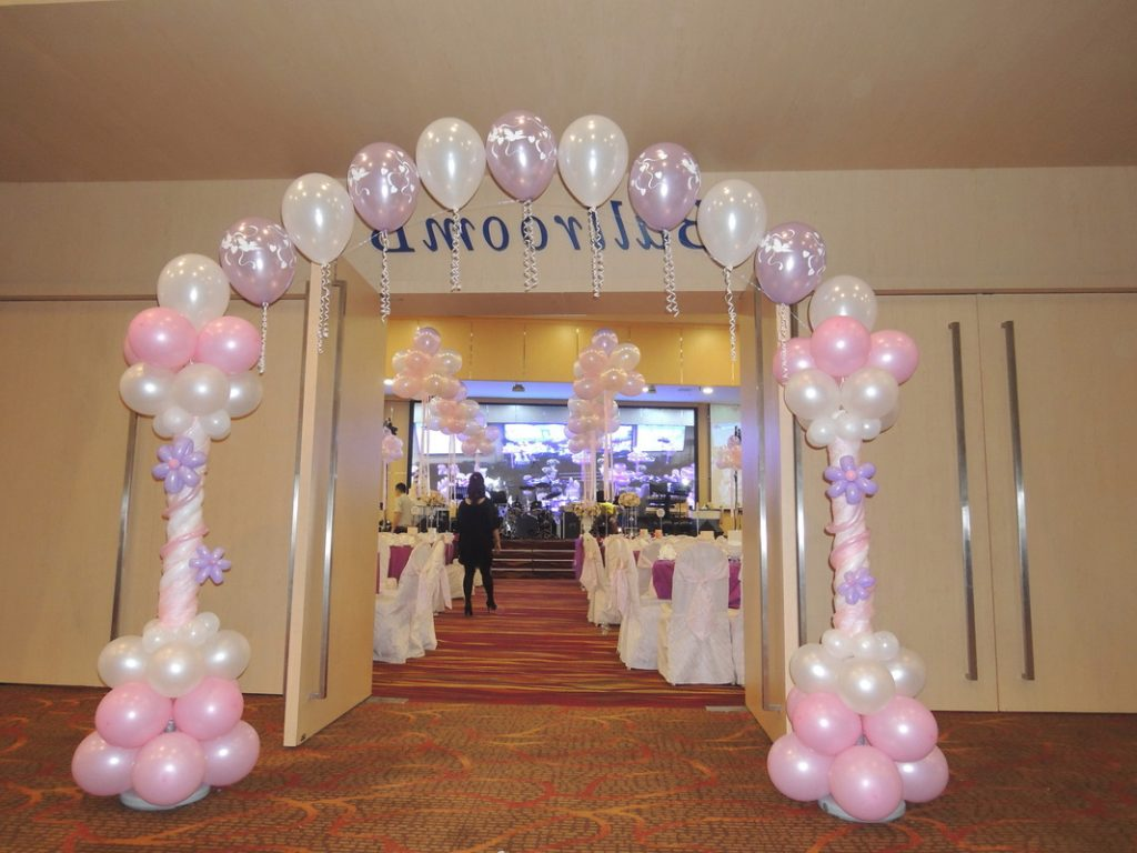 Weddings Instant Photobooths Balloon Decorations