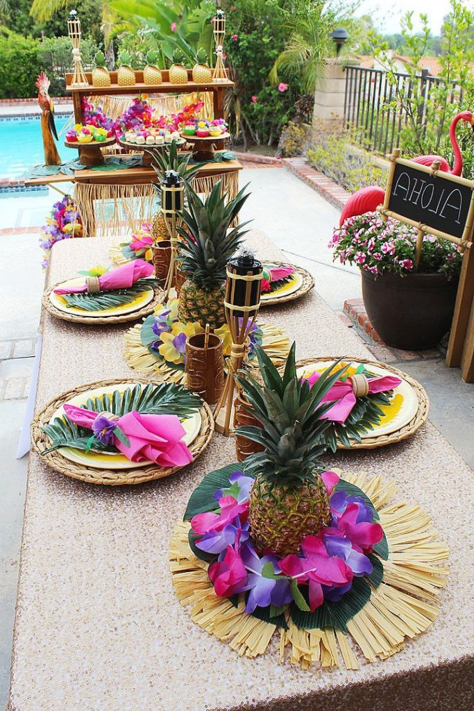 DIY Pineapple Centerpieces Luau Party Decorations